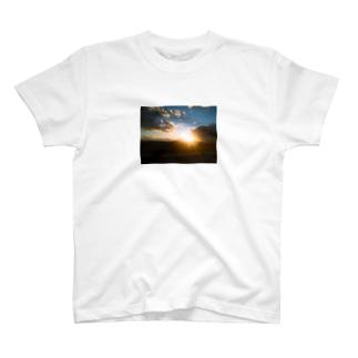 夕やけ3 T-shirts