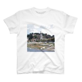 イタリア:フォロ・ロマーノのカストルとポルックス神殿が見える風景写真 Italy: view of Foro Romano (Tempio dei Dioscuri) T-shirts