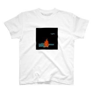 暗闇でキャンプ Tシャツ