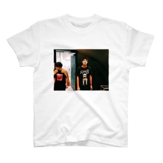 カネ T-shirts
