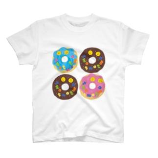 ドーナツ4つ T-shirts