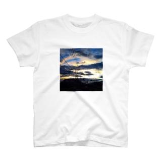 ある日の朝焼け^ ^ T-shirts