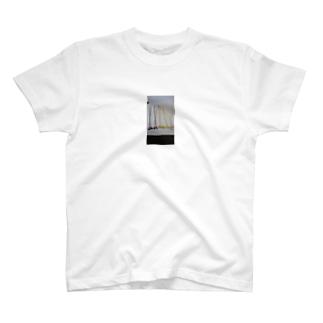 ボタンフラワートート T-shirts