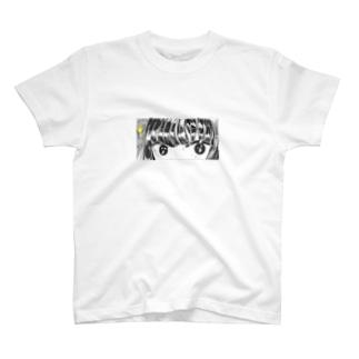 女子高生と目が合う T-shirts