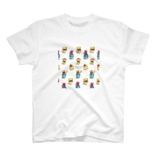 頭が赤い魚を食べた猫(集合) T-shirts