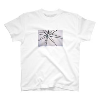 雨の日の傘 T-shirts