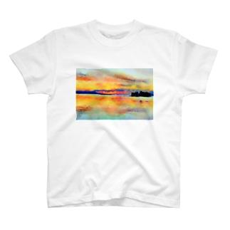 宍道湖の夕日 水彩 T-shirts