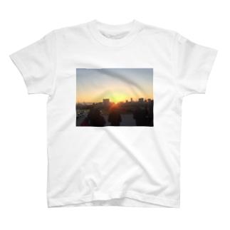 夕日 T-shirts