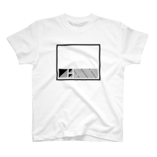 三角四角 クロ T-shirts