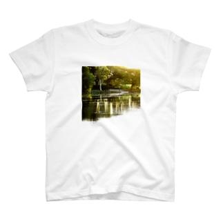 水辺の光景 T-shirts