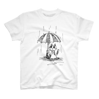傘下の三毛猫 T-shirts