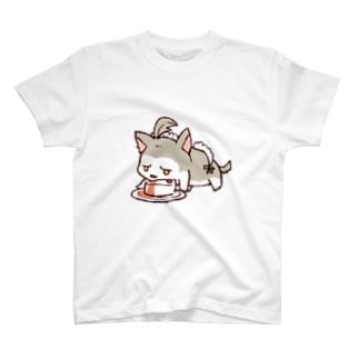 ちるふ(こっそりメイドしてる狼) T-shirts