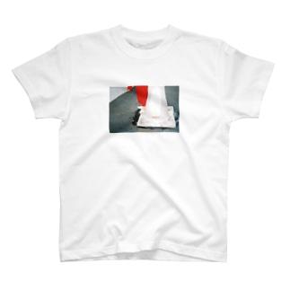 hukazawanekoze T-shirts