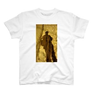 人影 T-shirts