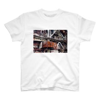 廃墟鉱山のメカ T-shirts