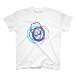 円の縁 青とピンク T-shirts