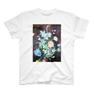 開花する花 T-shirts