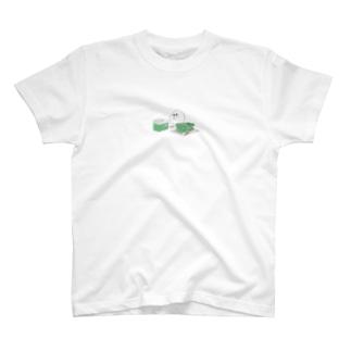 お餅まるめサトイモさん T-shirts