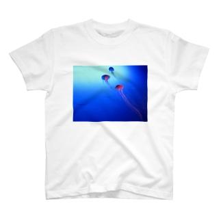 クラゲ空 T-shirts