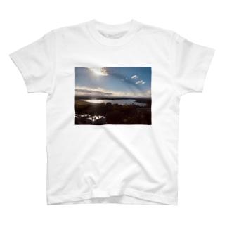 虚構 T-shirts