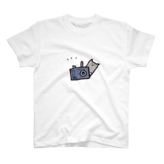 へにゃんとパシャリ T-shirts