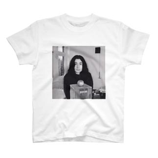 ヨーコ・オノ T-shirts