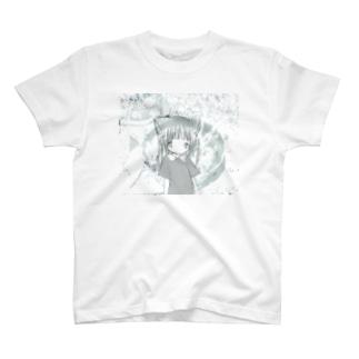キラキラ破片が目に突き刺さる T-shirts