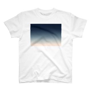空色 T-shirts