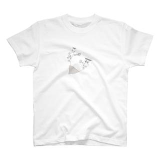 キャンプで着る服/設営する人 T-shirts