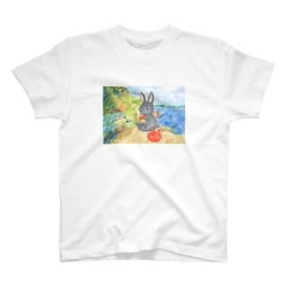 うさぎ石鹸の海辺のパトちゃんとケロちゃん T-shirts
