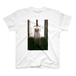 ウェディングドレス T-shirts