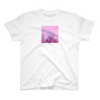 学校の外 T-shirts