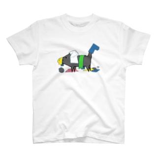 畳んだ洗濯物を散らかすネコイヌ T-shirts