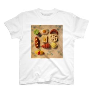 粘土の食べ物 T-shirts