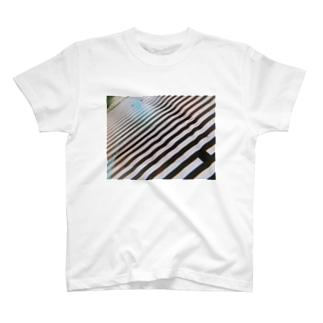 思い出の横断歩道Tシャツ T-shirts
