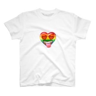 ハートちゃんの目がハート💕 T-shirts