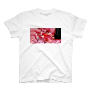 - Tシャツ