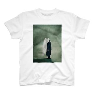 天使の彫像 T-shirts