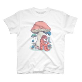 きのこに雨宿り T-shirts