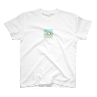 パンの上でごろり。 T-shirts