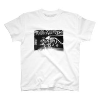 トリケラトプス骨格(黒)  T-shirts
