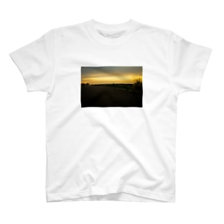 river×sunset T-shirts