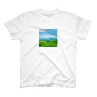 草原その2 T-shirts