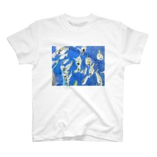 魚の大群 T-shirts