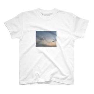 オソラ T-shirts