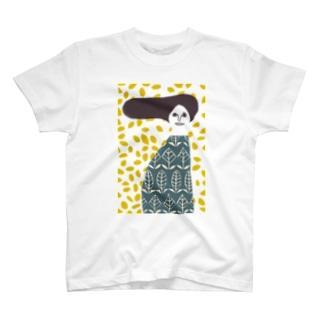 マッシュ婦人 T-shirts