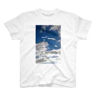 青い空・白い雲 T-shirts