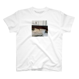 Bed. T-shirts