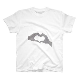 ハートの手(デッサン) T-shirts