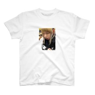 きんぱつ卍 T-shirts